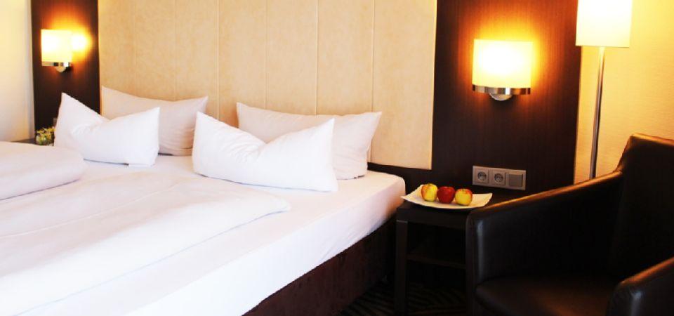 Bett Im Schlafzimmer Design Modern Italienisch Lecomfort , Best Western Hotels Central Europe Gmbh